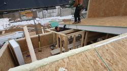 지붕 작업중입니다.