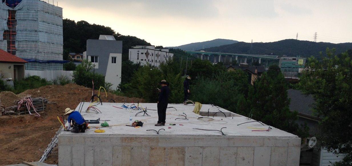 용인 고기리 주택 기초 콘크리트 작업-1