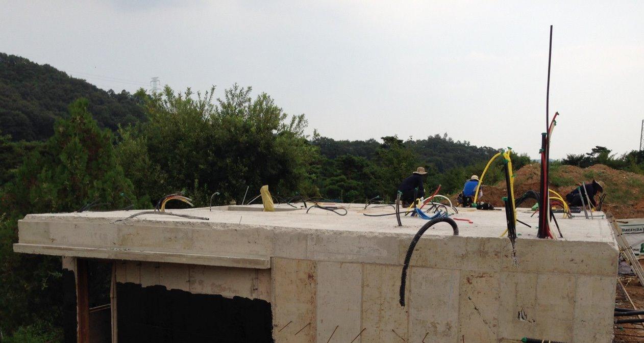 용인 고기리 주택 기초 콘크리트 작업-3