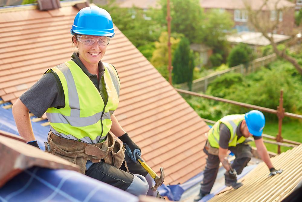 Kattokorjaus saa katon pitämään taas vettä.