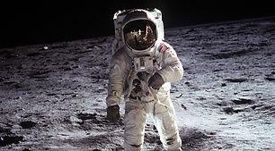 moon-landing-60582_1920-2.jpg