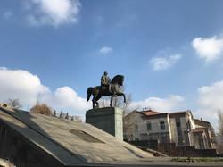 Памятник маршалу Баграмяну
