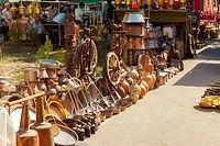 Вернисаж (блошиный рынок) в Ереване