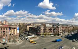 Вид на фасад здания