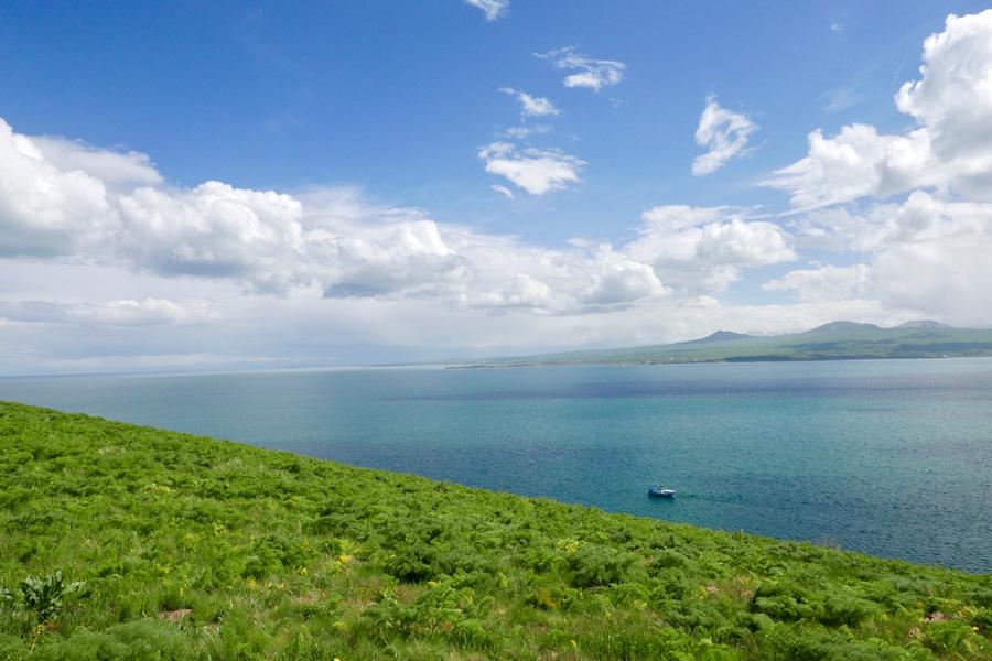 Озеро Севан и монастырь Севанаванк