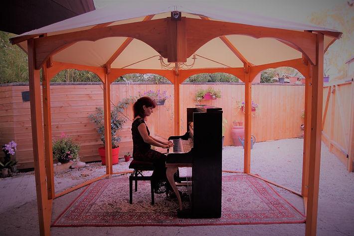 LE KIOSQUE AU PIANO