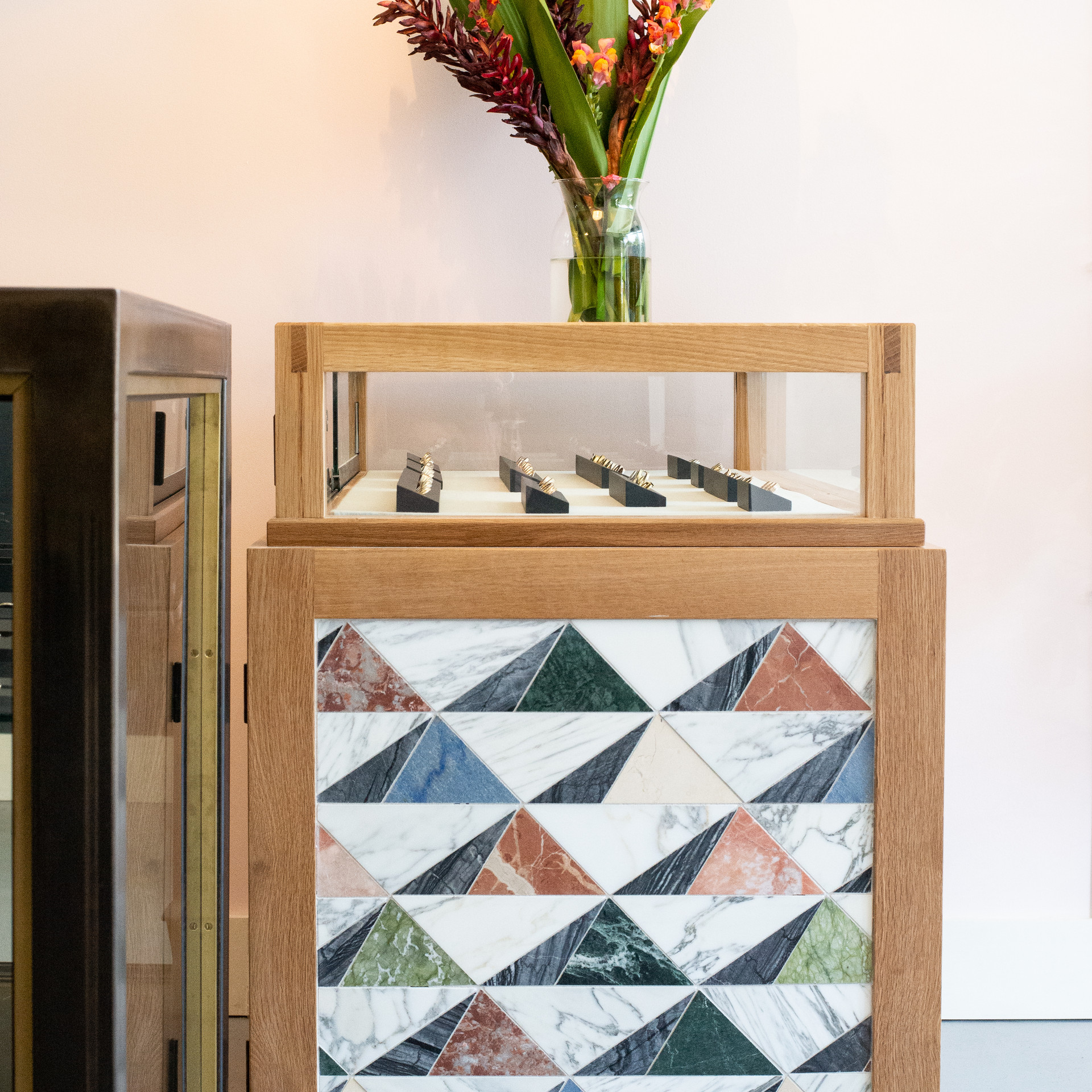 BN-Showroom Tiled Case 1.jpg