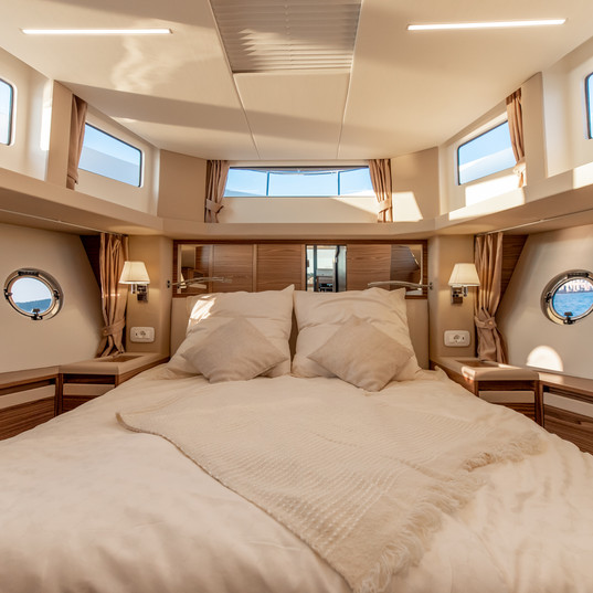 Copy of Greenline_45_Fly_Guest cabin_LR.