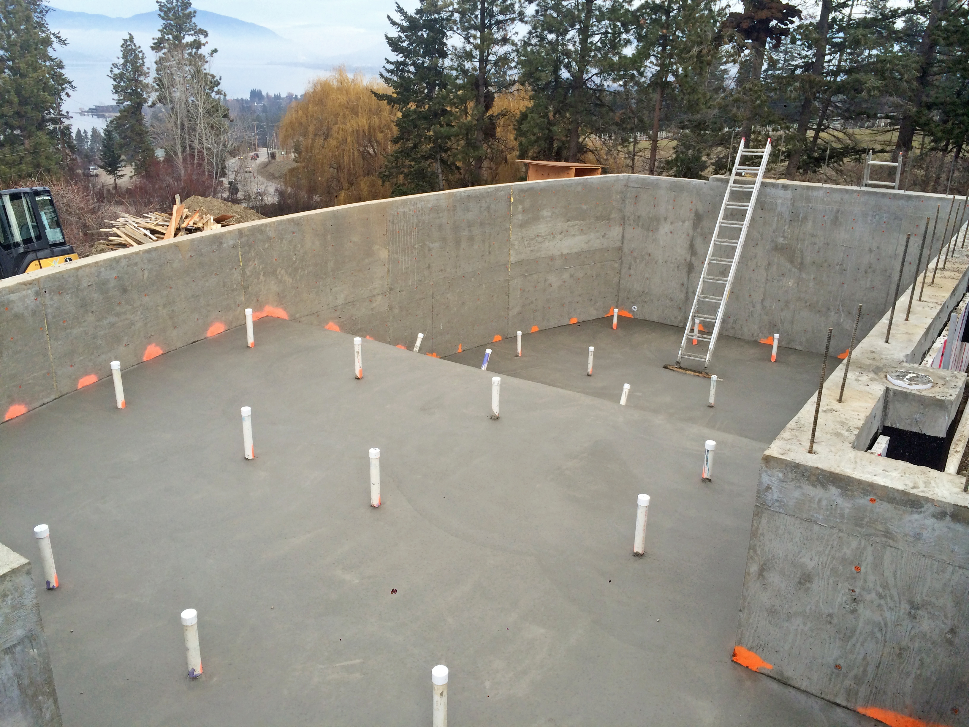 swimming-pool-construction 7.JPG