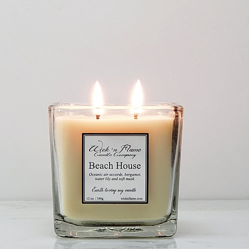 BEACH HOUSE: Oceanic air accords, bergamot, water lily and soft musk.