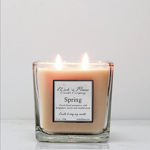 SPRING: Bouquet of sweet jasmine, energizing citrus, neroli and sandalwood.