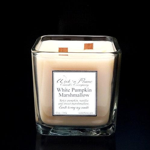 WHITE PUMPKIN MARSHMALLOW: Spicypumpkin, vanilla and sweet marshmallow.