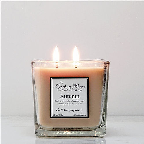 AUTUMN: Festive aromatics of apples, spicy cinnamon, clove and vanilla.