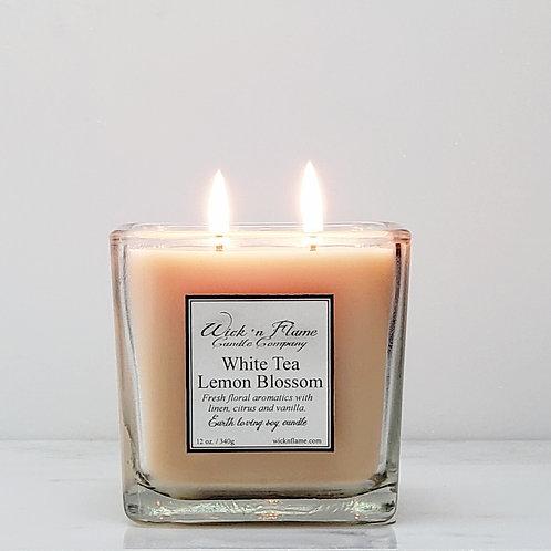 WHITE TEA LEMON BLOSSOM: Fresh floral aromatics with linen, citrus and vanilla.