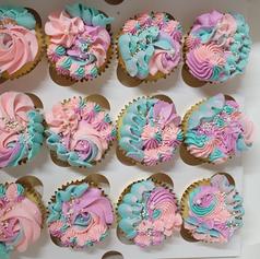 Deluxe Vanilla Cupcakes