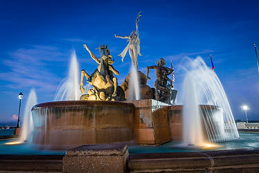 Raíces Fountain at Blue Hour