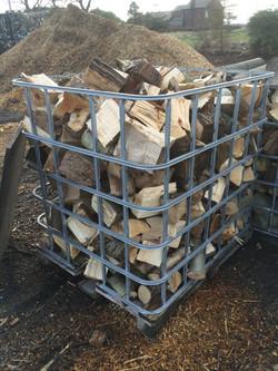 Semi seasoned mixed logs
