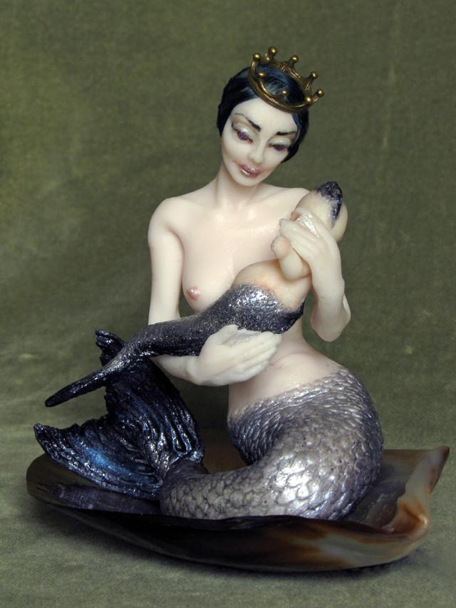 Sirena y bebe E.A.D.