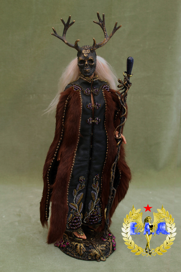 sacerdotisa Doll.jpg