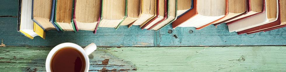 Bücher und Cafe.jpg