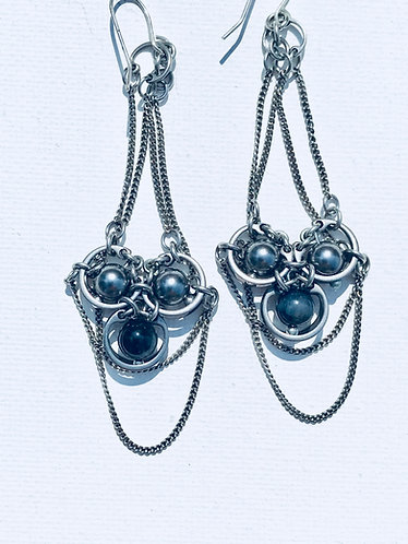 Grey Pearl Earring