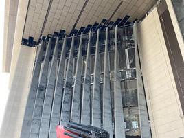 觀塘市中心重建項目 - 裕民坊 - Fins installation