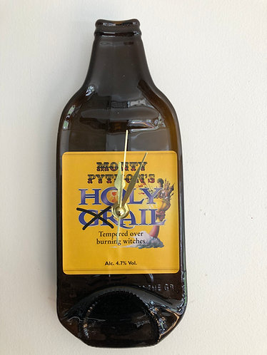 Monty Pythons Holy Grail Ale Bottleclock