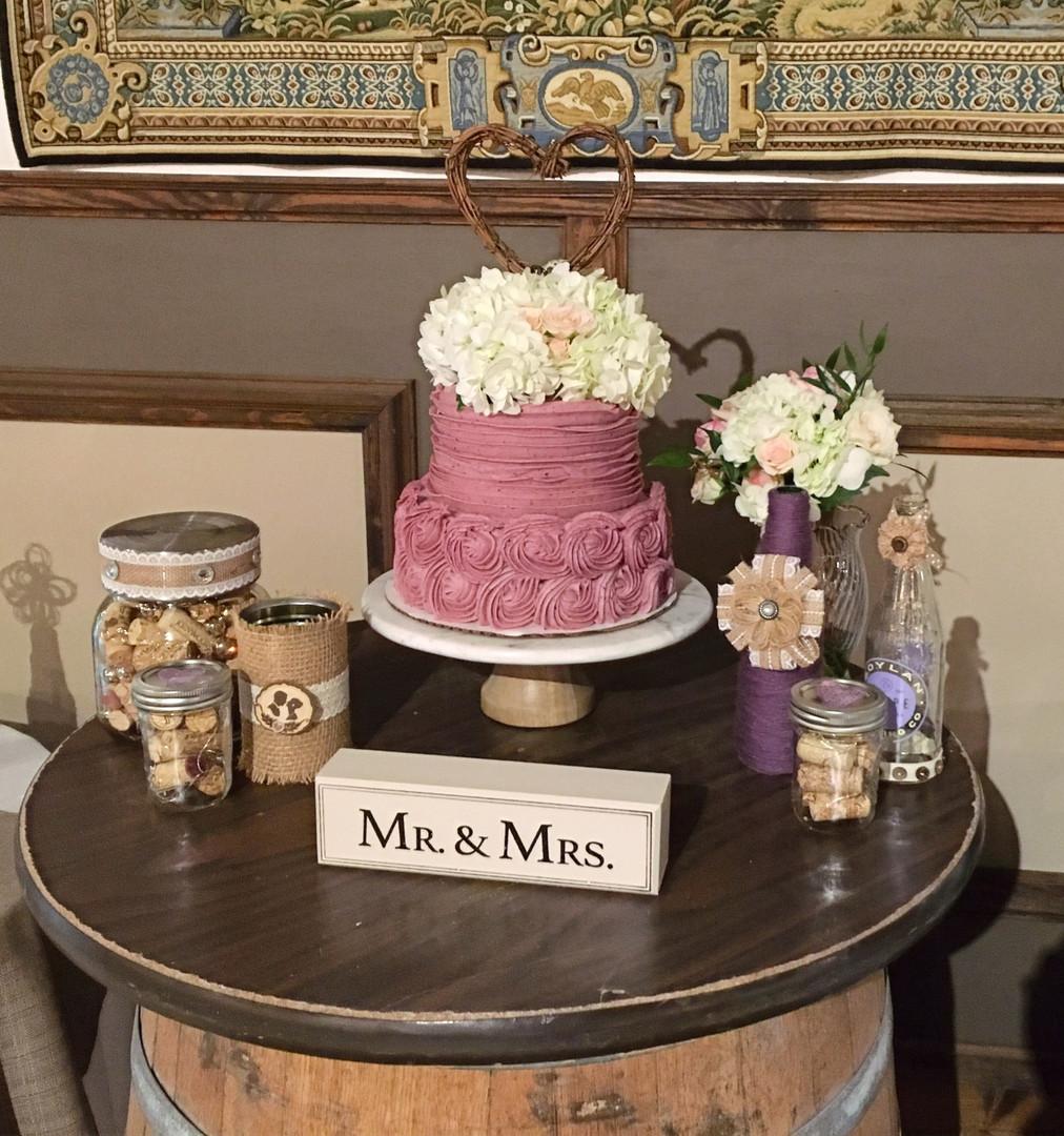 xo_mr_mrs_cake.jpg
