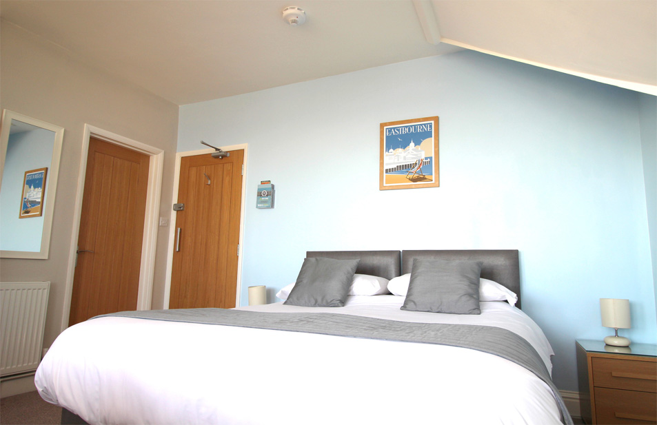 Eastbourne-Holiday-Apartment-5-Bedroom