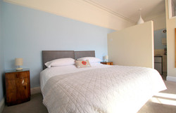 Self-Catering-Eastbourne-Apartment-1-Bedroom