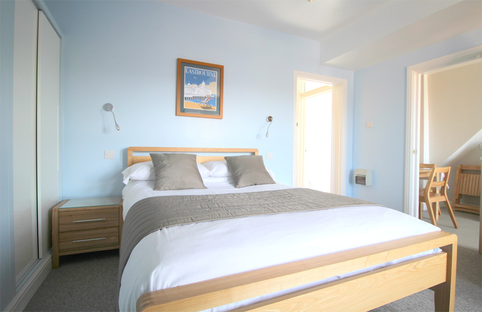 Eastbourne-Holiday-Lets-Apartment-4-Bedroom