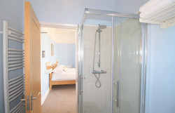 Eastbourne-Guesthouse-Apartment-3-Bathroom