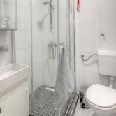 Apartment 2 Bathroom.jpg