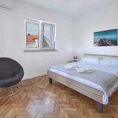 Apart 1 2nd Bed (Queen Bed) 2.jpg