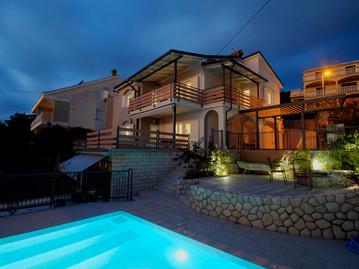 House 58_NightWEB.jpg