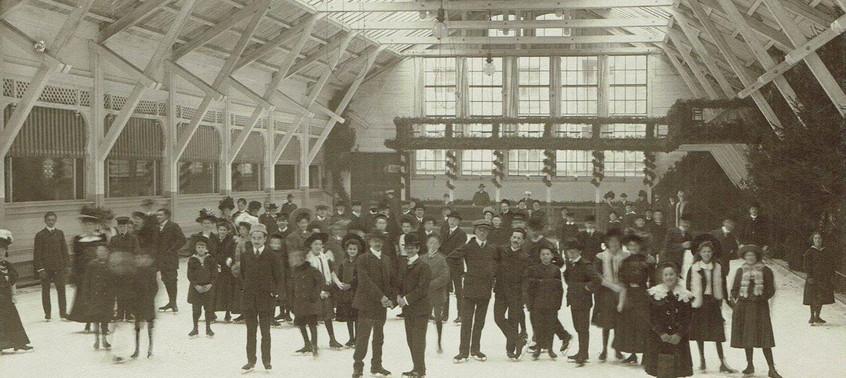 """Unsöld's Eislaufhalle genannt """"Schachterleis"""" um 1900"""