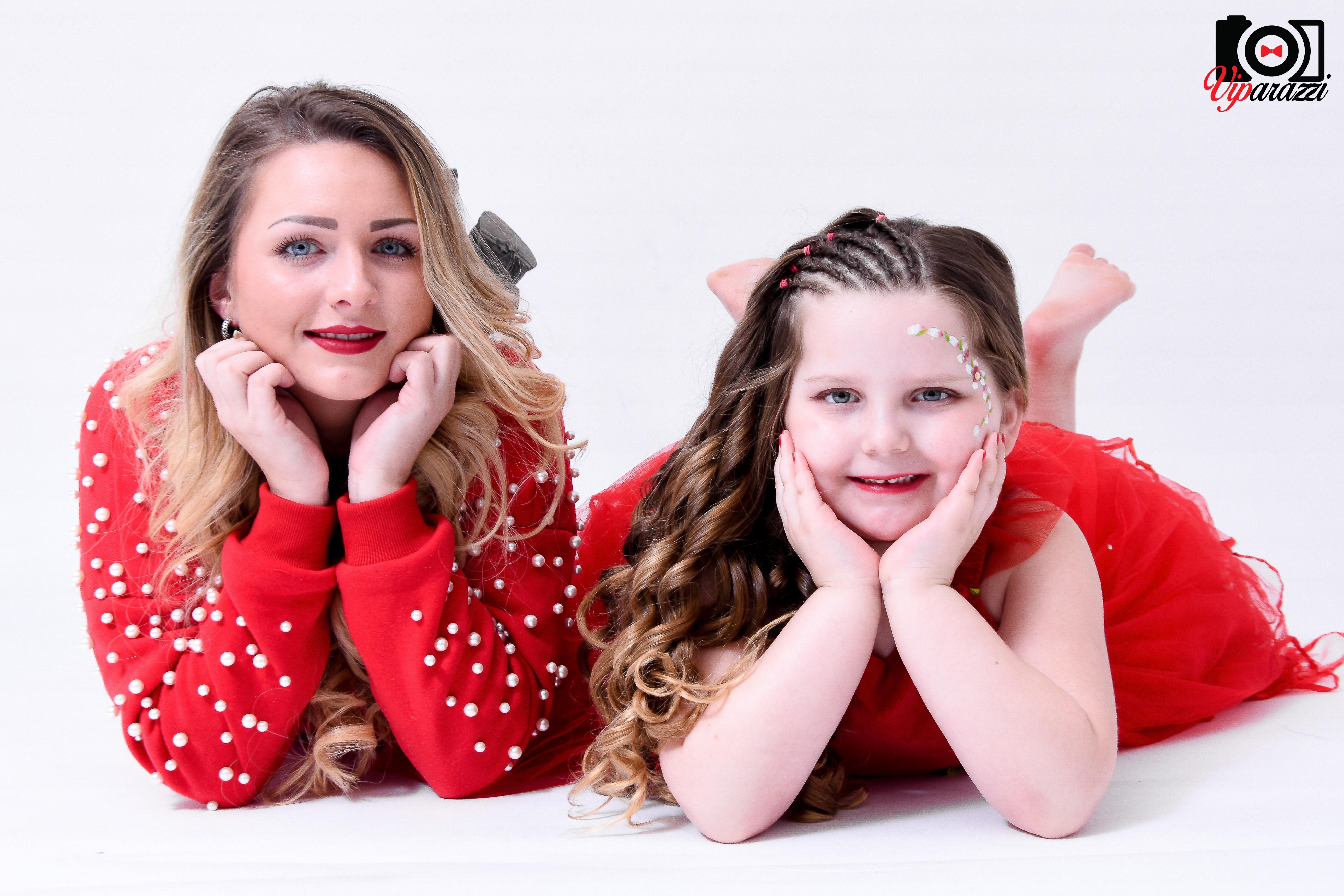 viparazzi -tante met nichtje