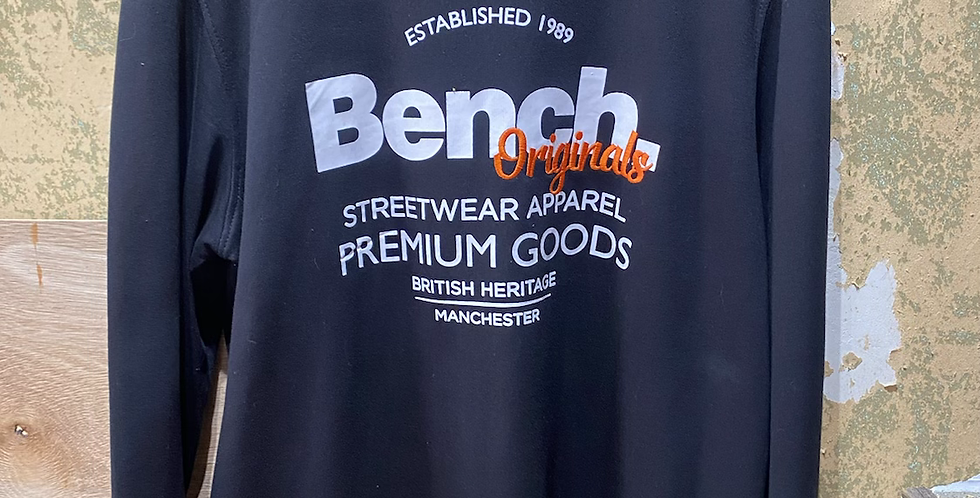 Bench Pull Over Sweater