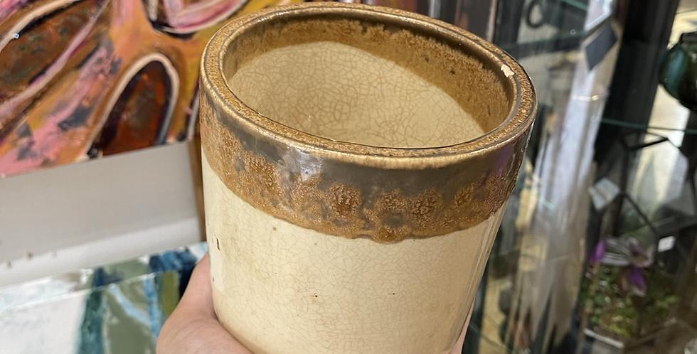 Tan/Brown Rimmed Pot