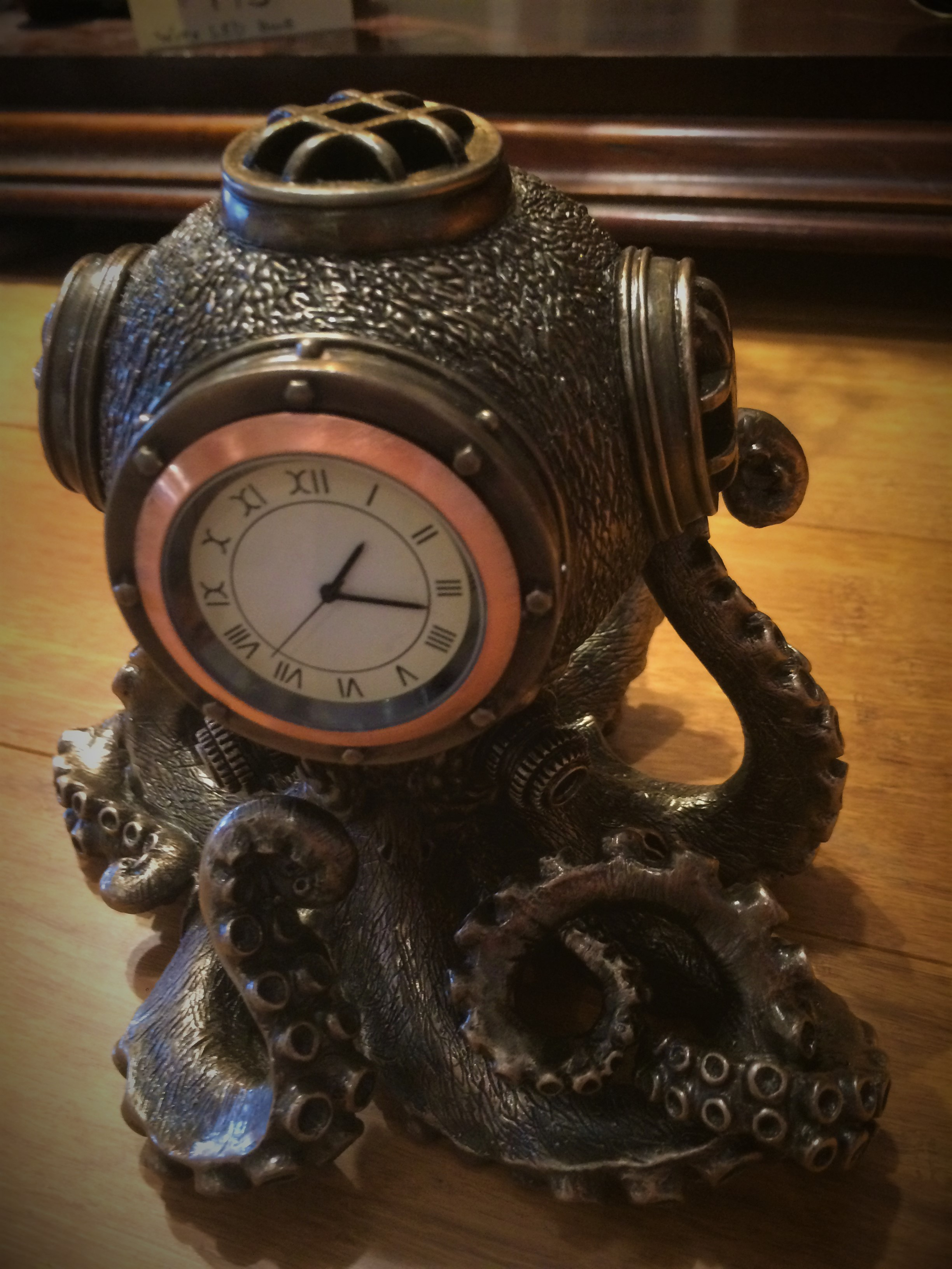 Octopus Dive Helmet Clock