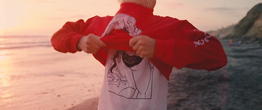 RedSweaterpull.png