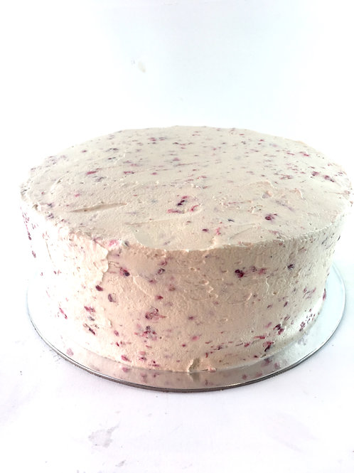 Chocolate sponge with raspberry cream