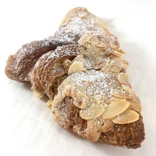 Almond crossiant