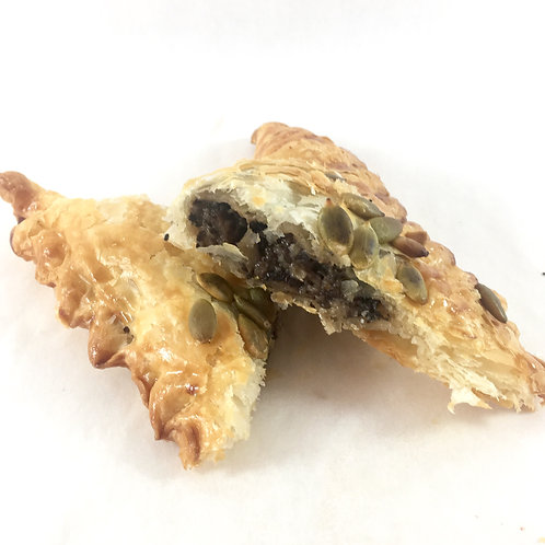 Mushroom pastry triangle