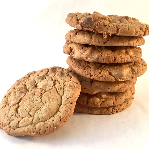 Pecan & white chocolate cookie