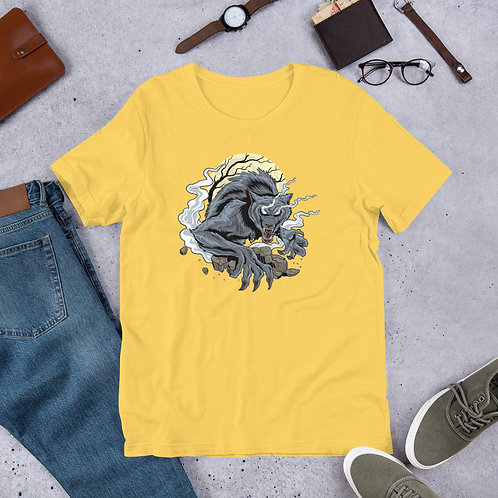 A predatory wolf shows strength and the ability to pounce men T-Shirt