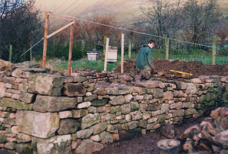 I began the Byre in 1992 on my fourteenth birthday and finished thatching it 2 yrs later.