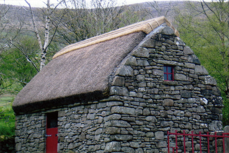 In 2015 the roof was re-thatched. It now looks like it has been there hundreds of years.