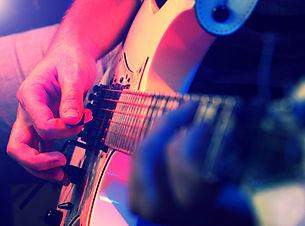 E-Gitarre_edited.jpg