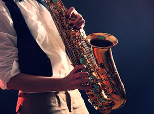 Saxophon_edited.jpg